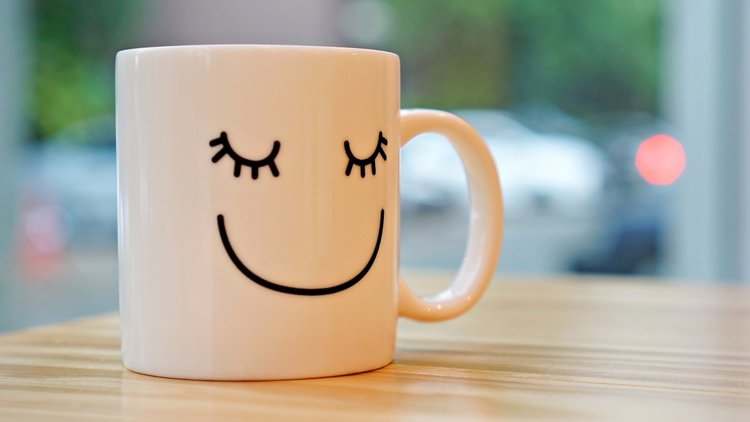 20151123164527-happy-cup-happiness-feelings-good-smile-coffee-emotions